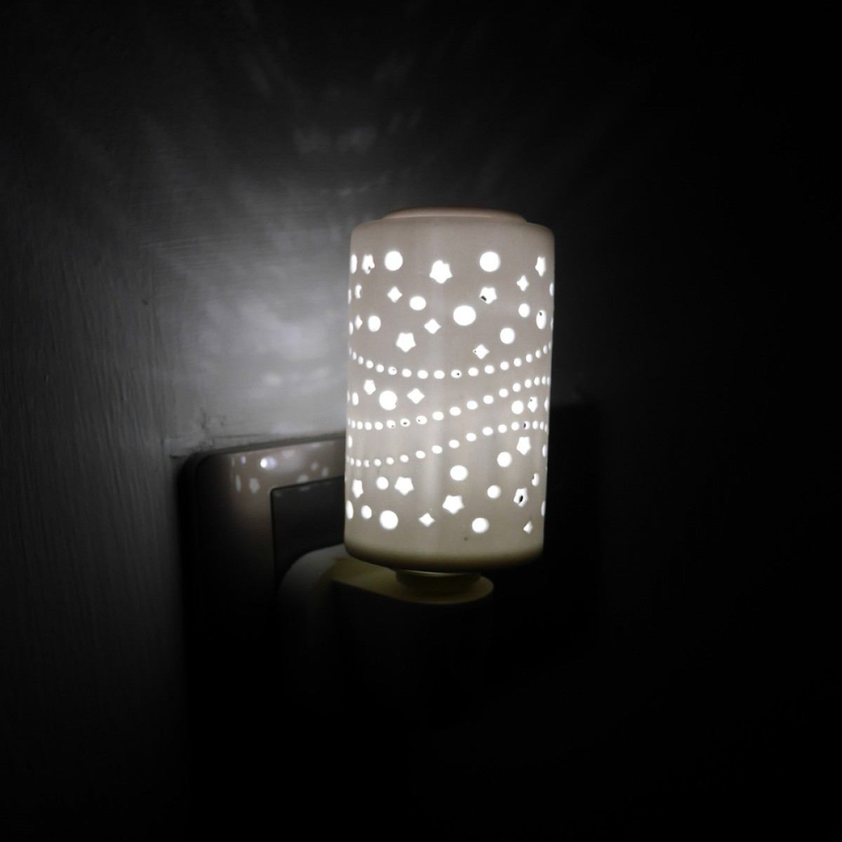 Ceramic Bedroom/Corridor Auto Light Sensor LED Night Light / LED Cat Eye